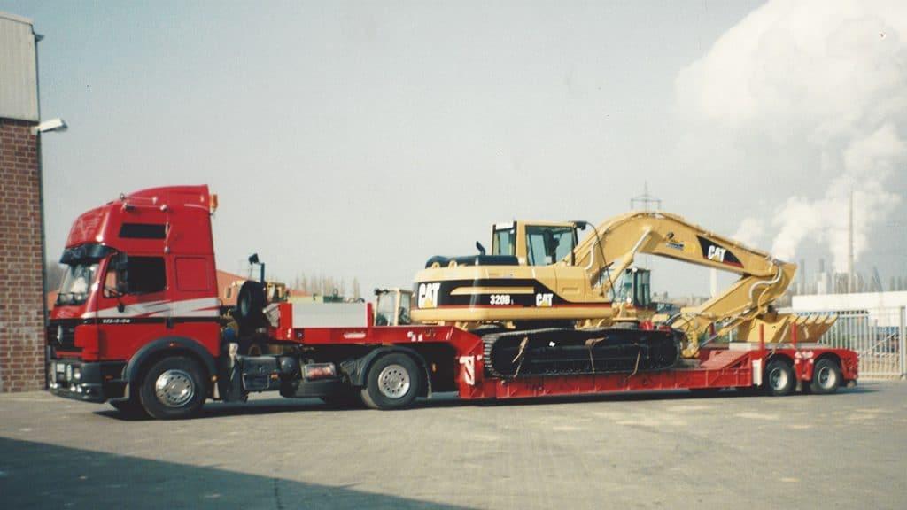 Scania Tieflader im jähr 1995 bei Übergabe an Sohn Josef Esser