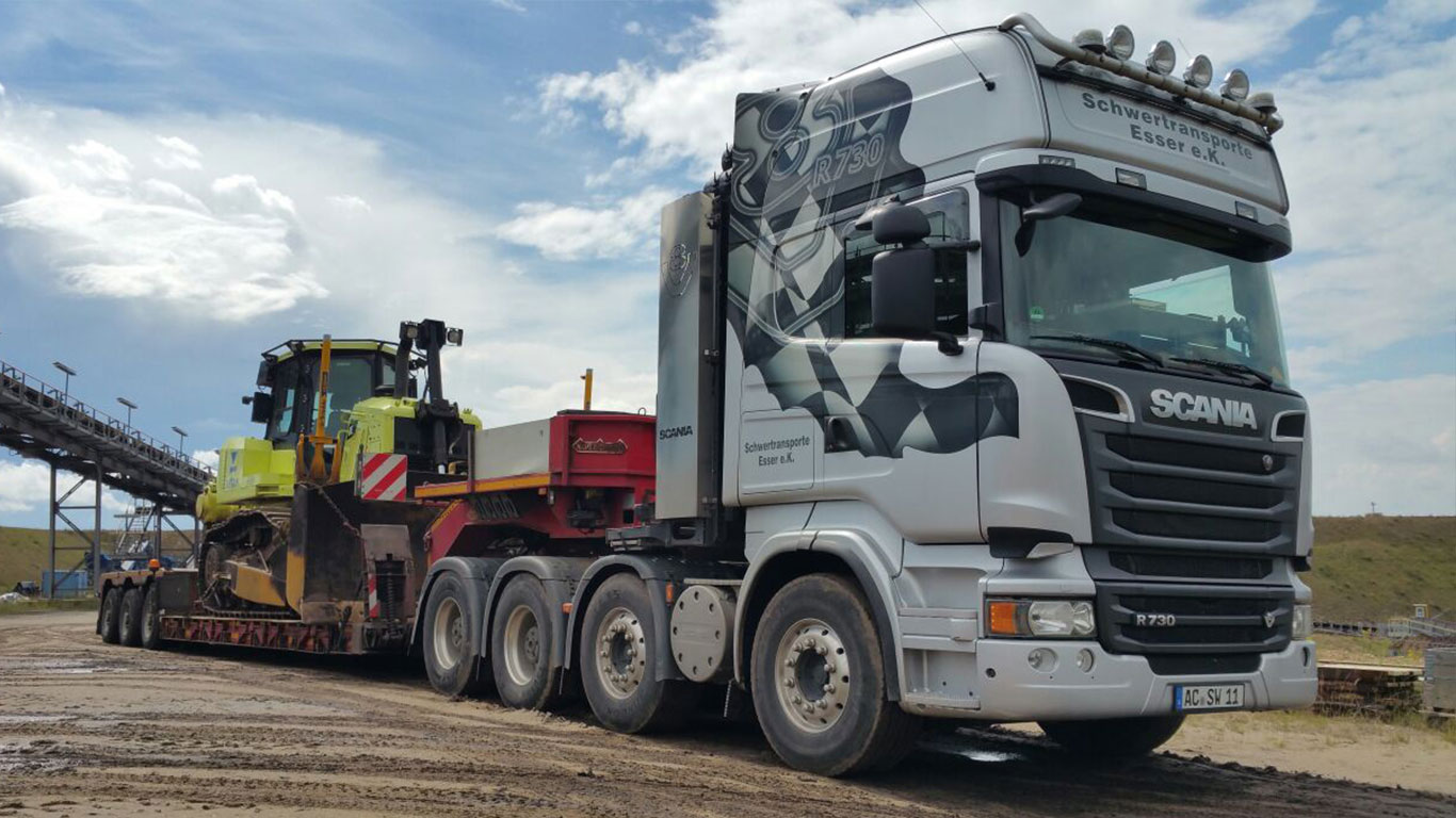 Scania R730 Raupentransport