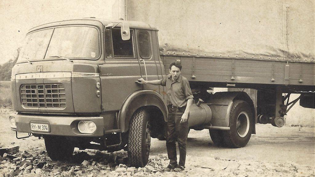 Karl Esser an einem seiner ersten LKW Bereite TR im Jahr 1969