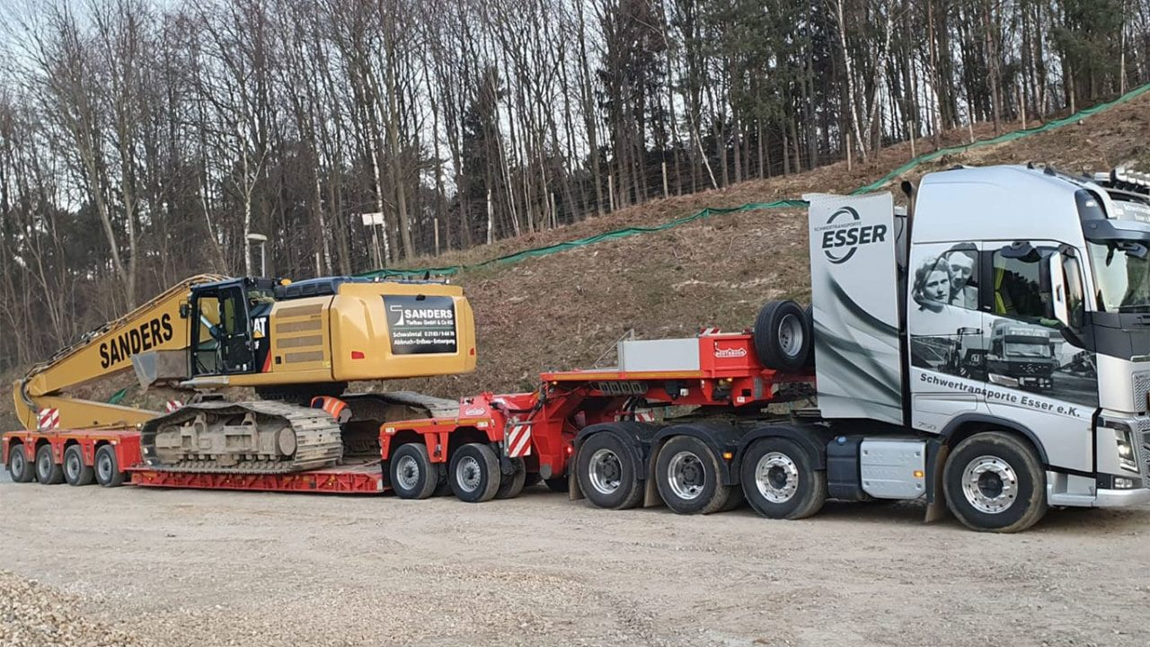 Volvo FH16 750 4-Achser-CAT Kettenbagger Long Front