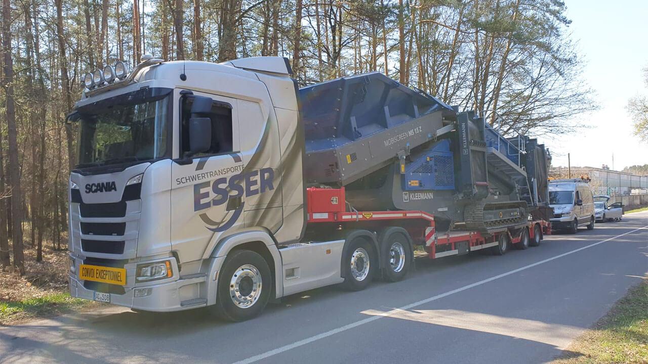 Scania S 500 mit Kleemann Siebanlage